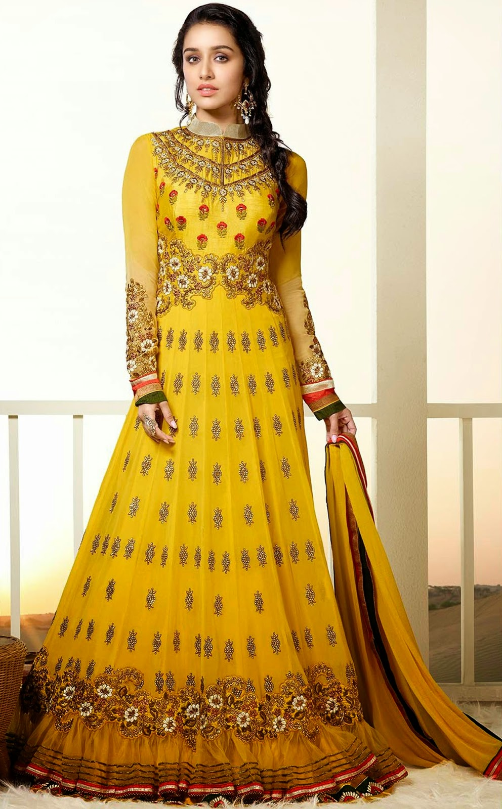 Shraddha Kapoor Anarkali Suit Wallpapers Free Download