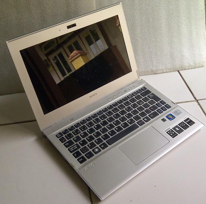 laptop sony vaio tipis