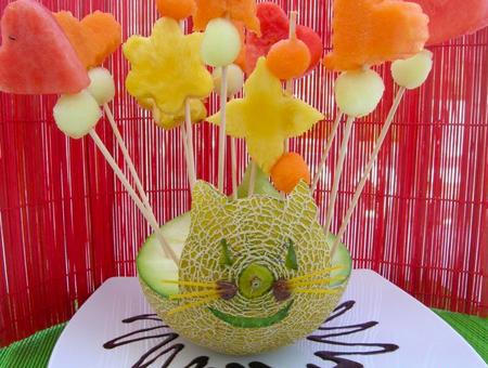 Frutas en fiestas infantiles con bocadillos sanos - Adornos de frutas para mesas ...
