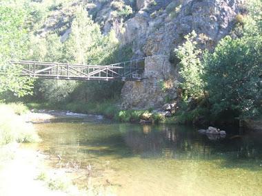 Rio Omaña a su paso por la Utrera.
