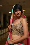 Model Alice Rosario glam pics in Lehenga-thumbnail-20
