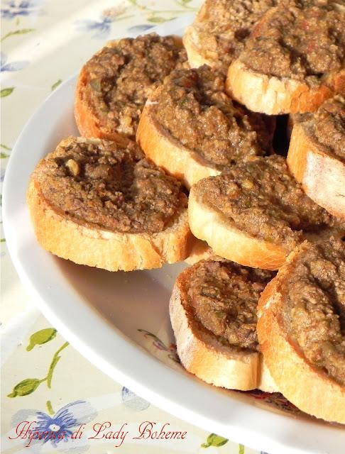 hiperica_lady_boheme_blog_cucina_ricette_gustose_facili_e_veloci_crostini_toscani_con_fegatini_di_pollo_3