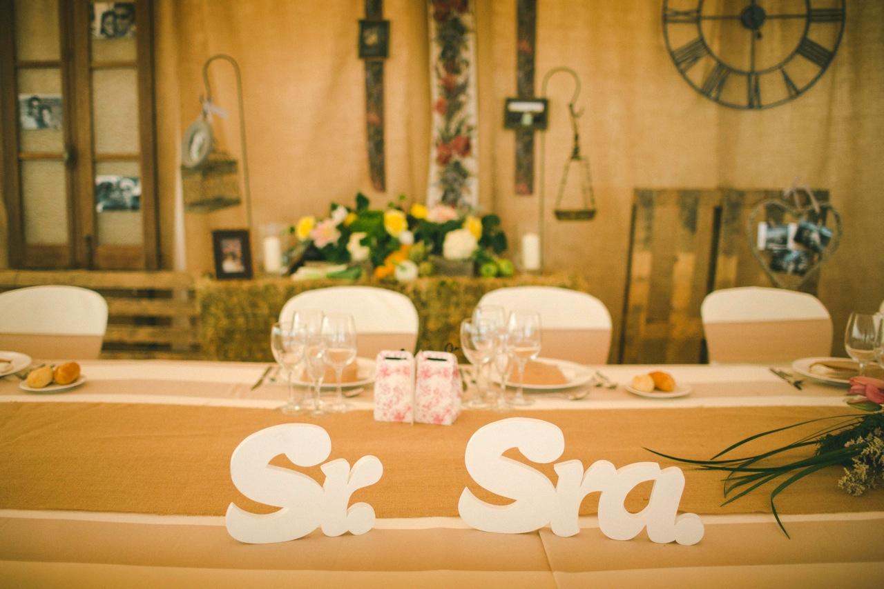 Con lluvia y con sol letras de madera para una boda muy - Letras de madera para decorar ...