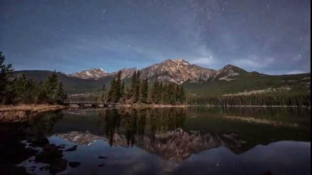 Un timelapse magnifique des rocheuses Canadiennes, plus de 2000 photos des montagnes
