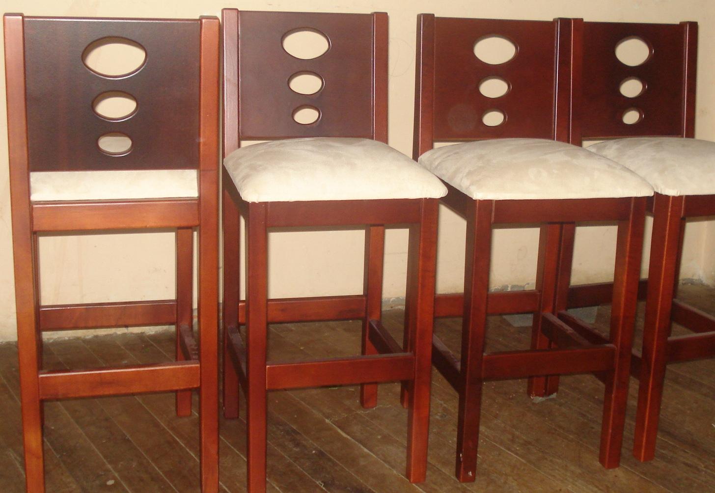Sociedad decorativa en maderas muebles para su hogar for Sillas para desayunador