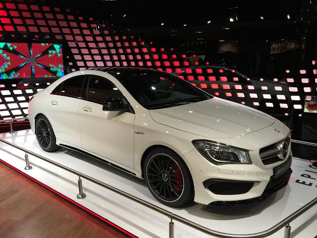 Descarga gratis mas de 100 imágenes de carros deportivos de lujo, nuevas fotografías HD 2015 de carros deportivos de lujo nuevos, salón del automóvil París 2015.