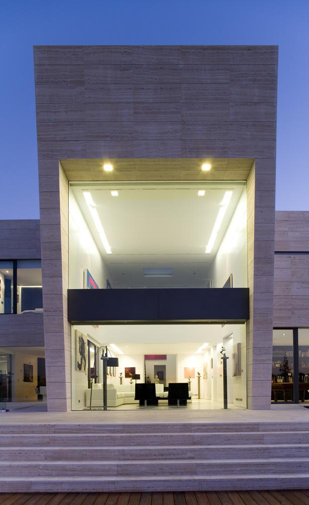 Arquitectura en espa a casa de lujo en somosaguas madrid - Casas minimalistas en espana ...