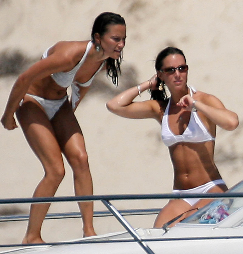 Pippa Middleton Topless Candid Photos  Takes Off White Bikini TopPippa Middleton Beach