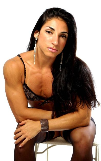 female fitness and bodybuilding beauties aline oliveira
