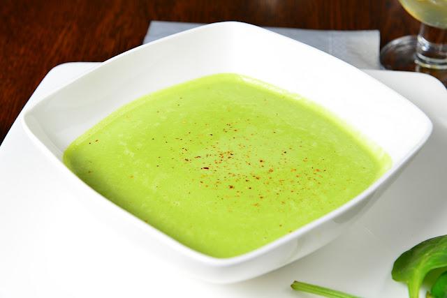 Zupa krem z groszku przybranie