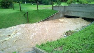 Chuva do último dia 15/01/16 deixou moradores apreensivos na Cascata do Imbui Teresópolis RJ