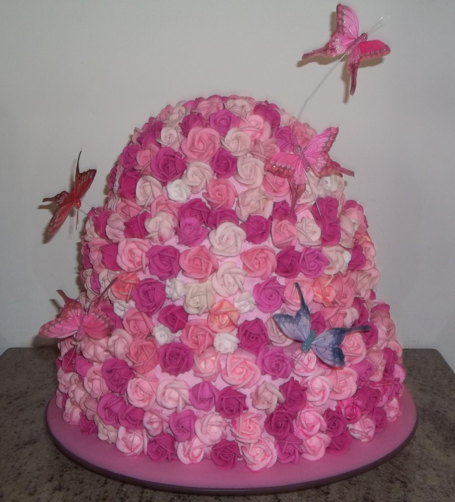 Bolos loura caldas bolo com flores e borboletas refn 480 um show este bolo todo de flores com borboletas nos tons pink e rosa altavistaventures Image collections