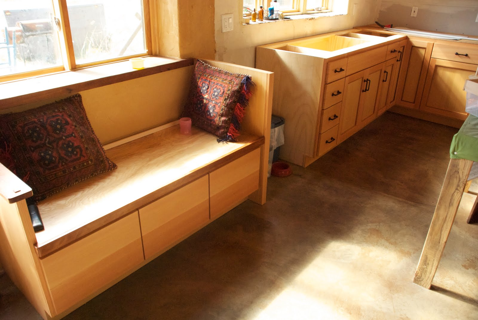 California homesteading kitchen cabinets oh my for Küchencouch