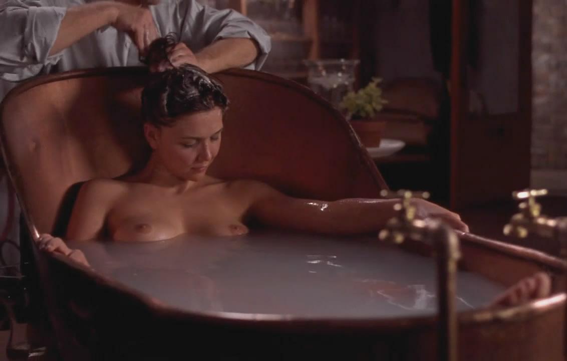 Maggie gyllenhaal nude fucking 5