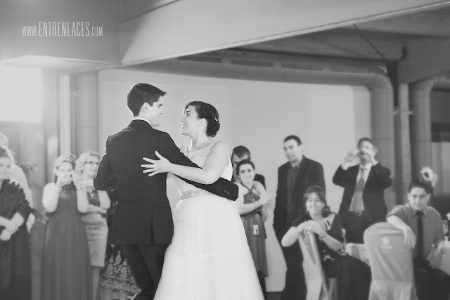 baile-vals-tango-novio-sonrisa-novia-Asturias-boda-fotografo-Torazo-bodas-civiles-divertidas-hoteles-restaurantes