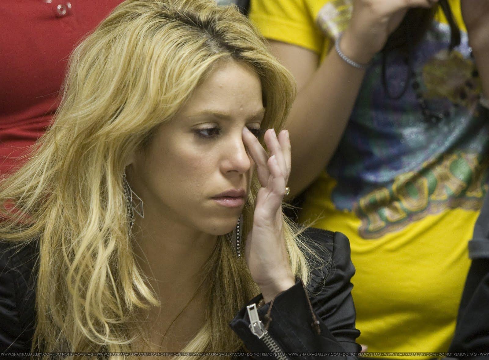 http://4.bp.blogspot.com/-MDabCaaUcaQ/UE89XuJ5fFI/AAAAAAAAG_s/5446KntodI4/s1600/Abogado-+de+-Shakira-+dice+-que+De+la+R%C3%BAa+s%C3%AD+la+tiene+demandada.jpg