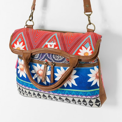Moda complementos moda bolsos desigual for Bazar en cordoba