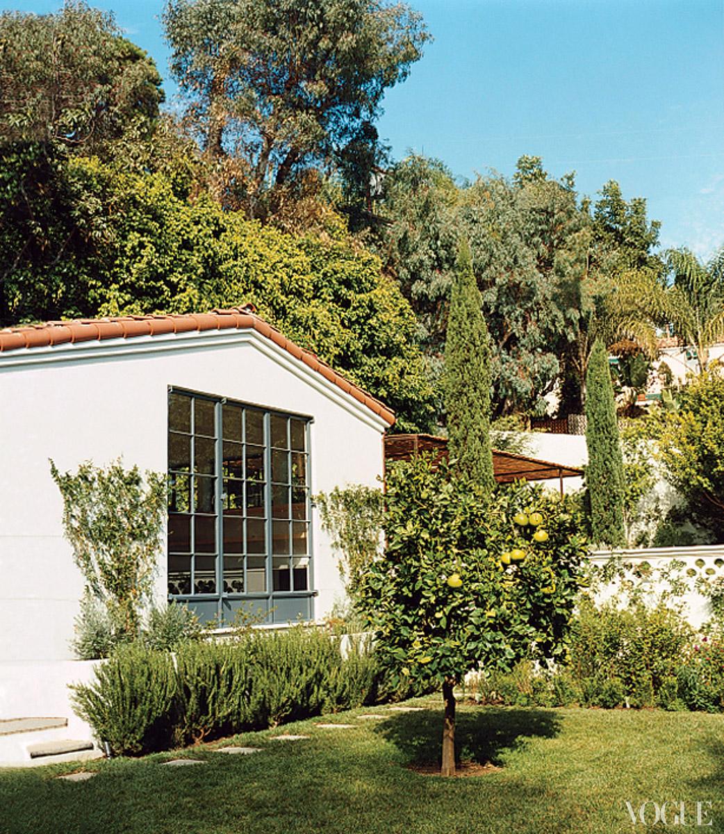 http://4.bp.blogspot.com/-MDbuTQwDCYA/UB_ybj-UsfI/AAAAAAAAC-E/SeRpAbzOx_Q/s1600/amanda-peet-house-04_122219455437.jpg