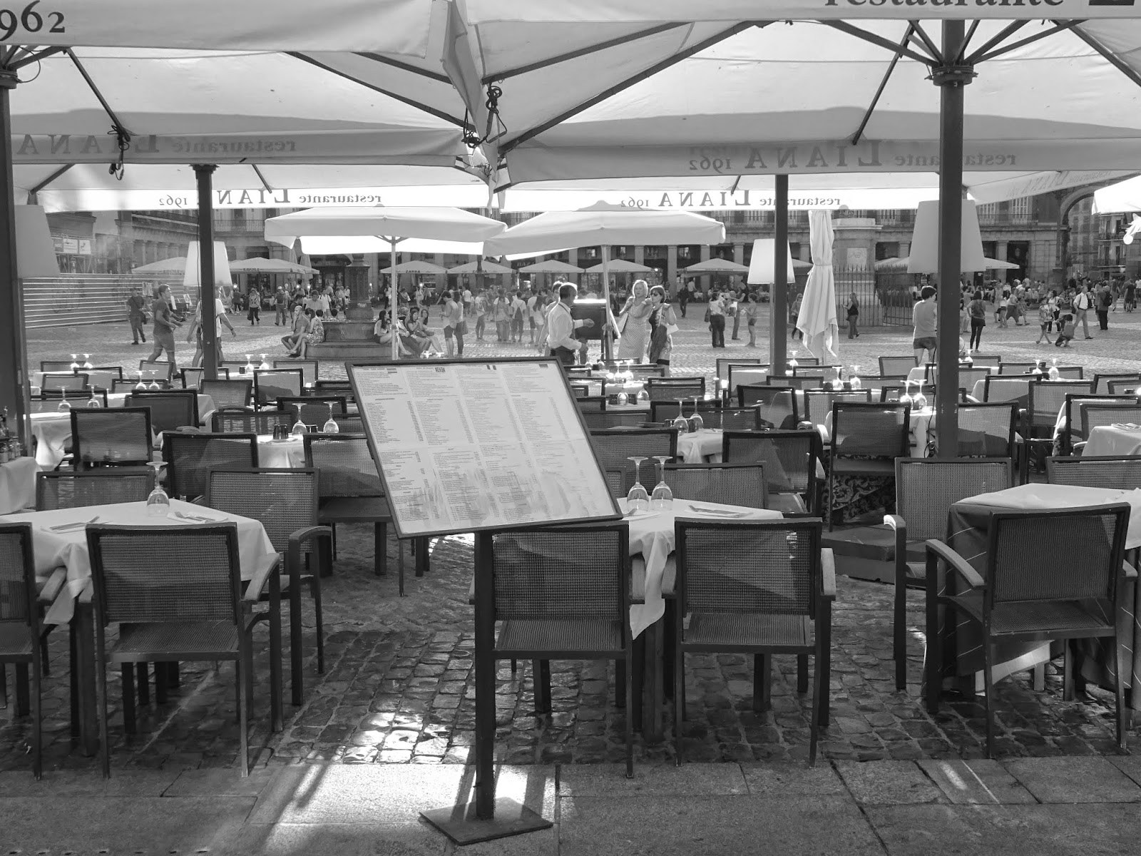 bar, madrid, plaza mayor madrid, plaza mayor,