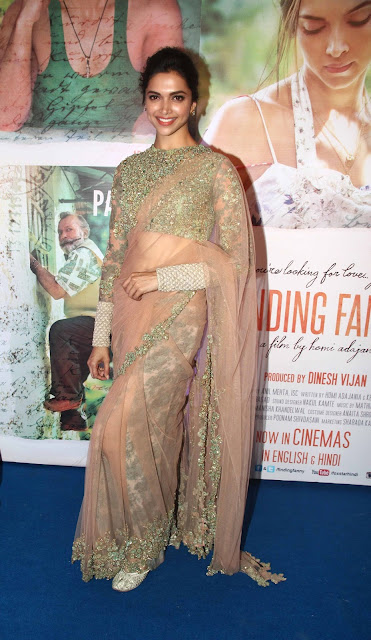 Deepika Padukone in Gorgeous Beautiful Sizzling Saree at a party in Mumbai