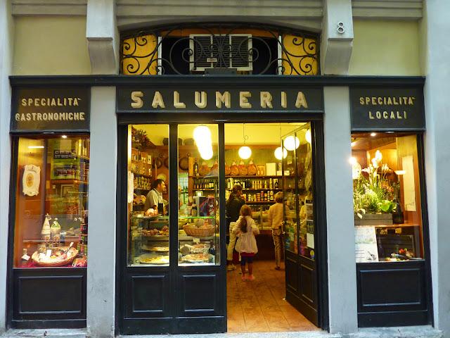 Salumeria en Bergamo Alta en Italia