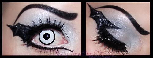 Bat Eye Makeup Halloween Theme