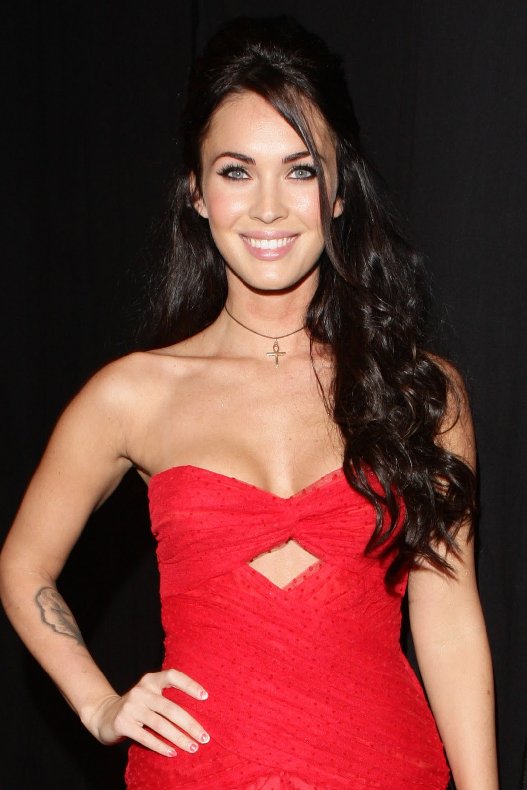foxy megan megan fox in a red dress for spike video game