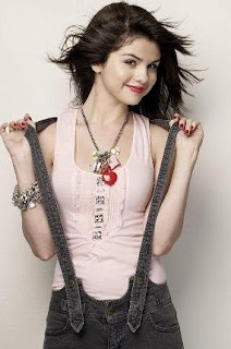 selena gomez hot, selena gomez hot pics, hot pictures of selena gomez, selena gomez hot photos,