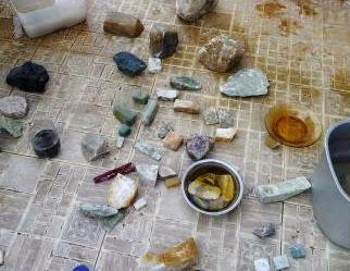 cara memilih bahan batu halmahera