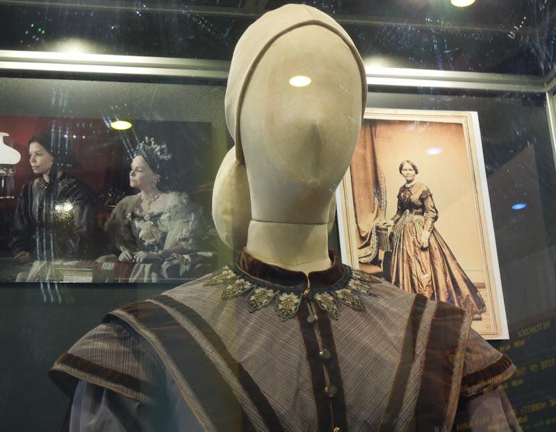 Gloria Reuben Elizabeth Keckley Lincoln costume detail