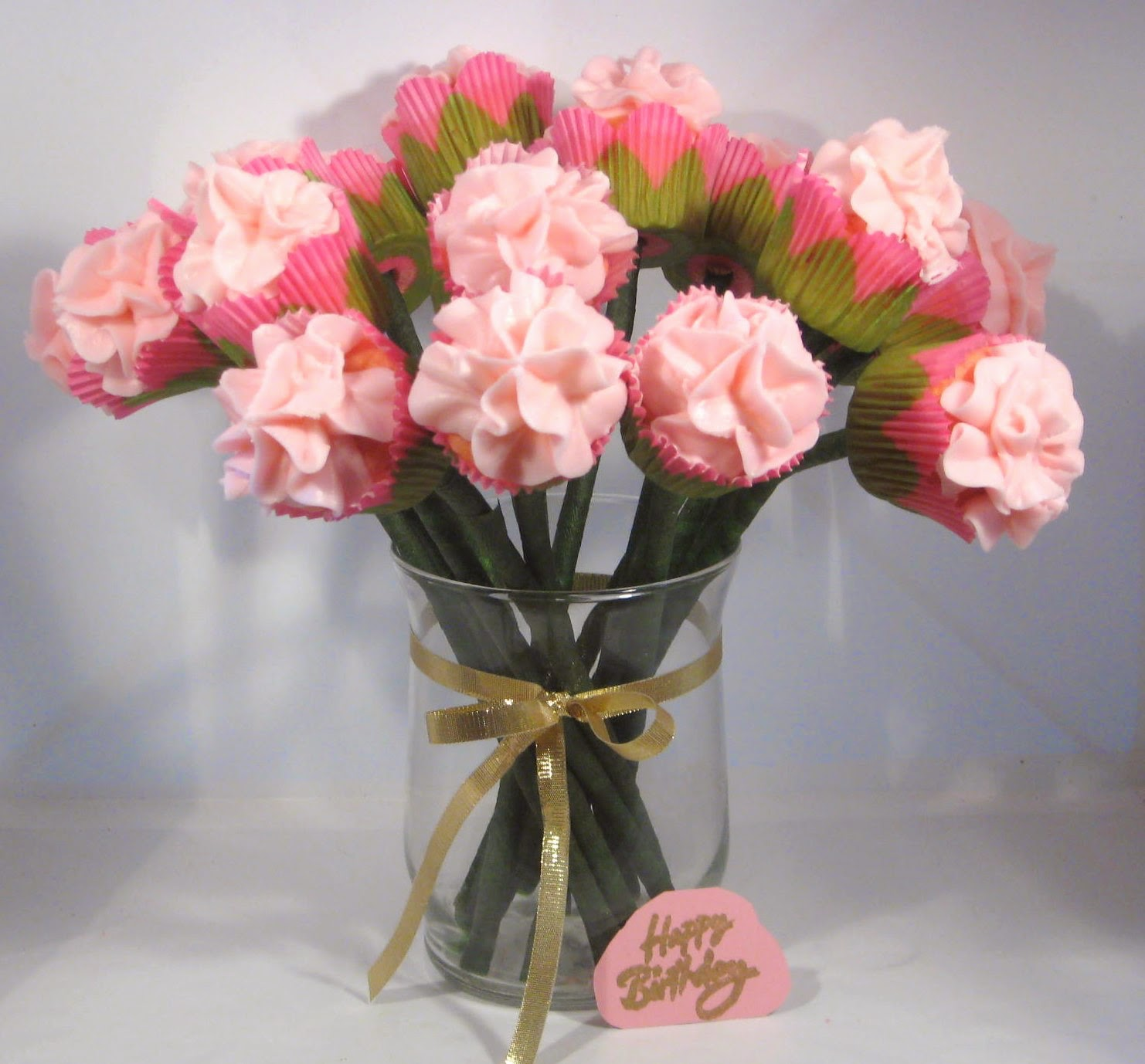 how to make a cupcake bouquet in a vase