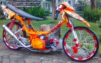 Gambar Modifikasi Motor Suzuki Smash Drag Racing
