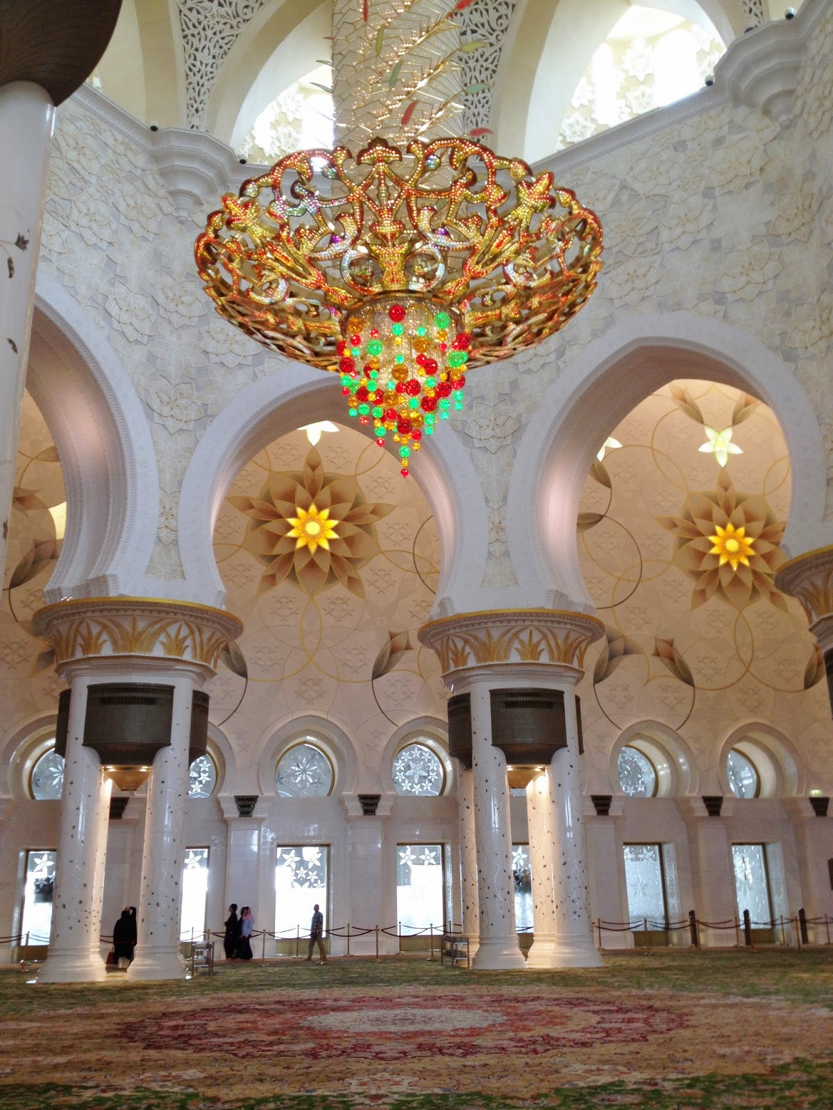Bobochic miss b lovese grand mosque abu dhabi one of the worlds largest chandeliers hangs in the main prayer hall10 metres in diameter and 15 metres high gilded with 24 carat gold and adorned with arubaitofo Image collections