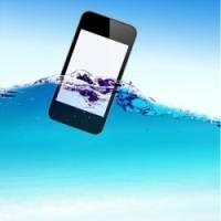 se il cellulare cade in acqua e si bagna