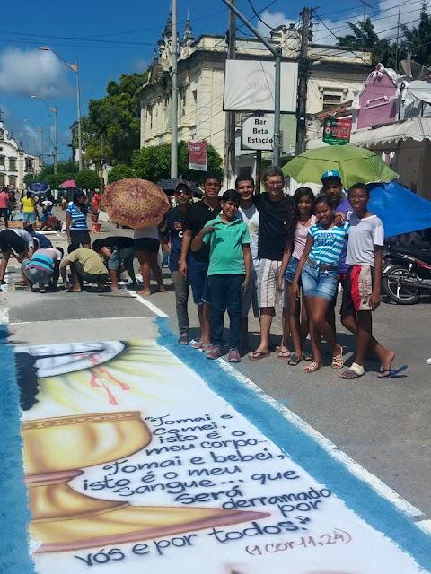 http://www.blogdofelipeandrade.com.br/2015/06/imagem-em-destaque-goianenses-se-reunem.html