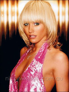 Nicky Whelan Hot