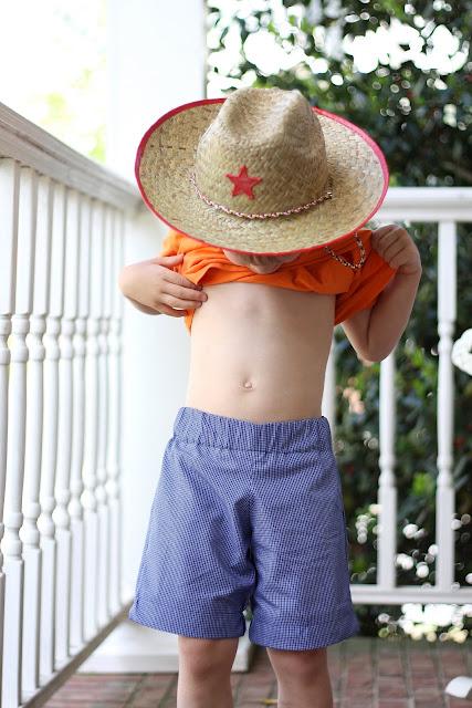 http://www.mygrowinghome.com/2011/04/basic-boy-shorts-w-free-pattern.html