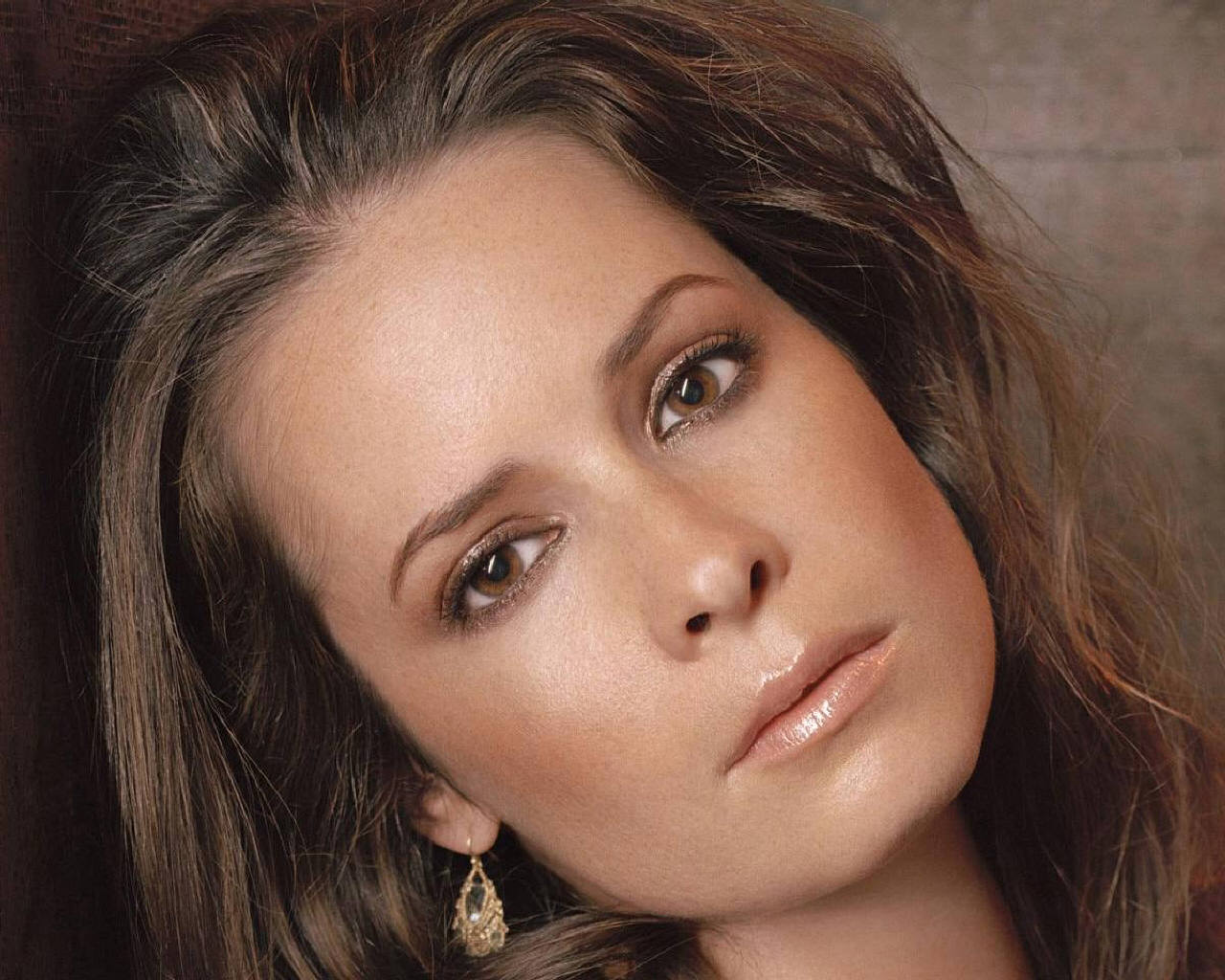 Holly Marie Combs Plastic Surgery Before And After Nose Jobs And Eyebrow