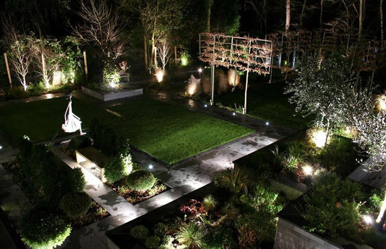 Delightful Ideas For Amazing Garden Lighting Decoration Inspireddsign