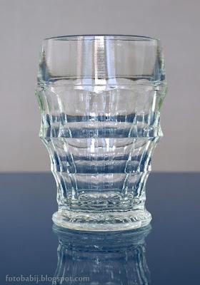 http://fotobabij.blogspot.com/2015/05/kieliszek-z-grubego-szka-shot-glass-1.html