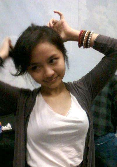 Montoknya Gita Gutawa (Foto)