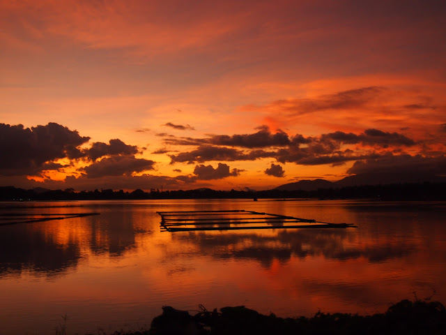 Sunset at Sampaloc lake