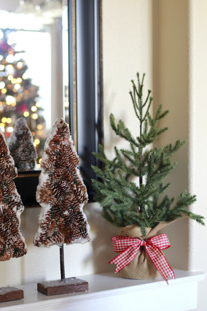 Decorating Ideas > Crafty Sisters Snowy Red & White Christmas Decorations ~ 100607_Christmas Decorations Home Goods
