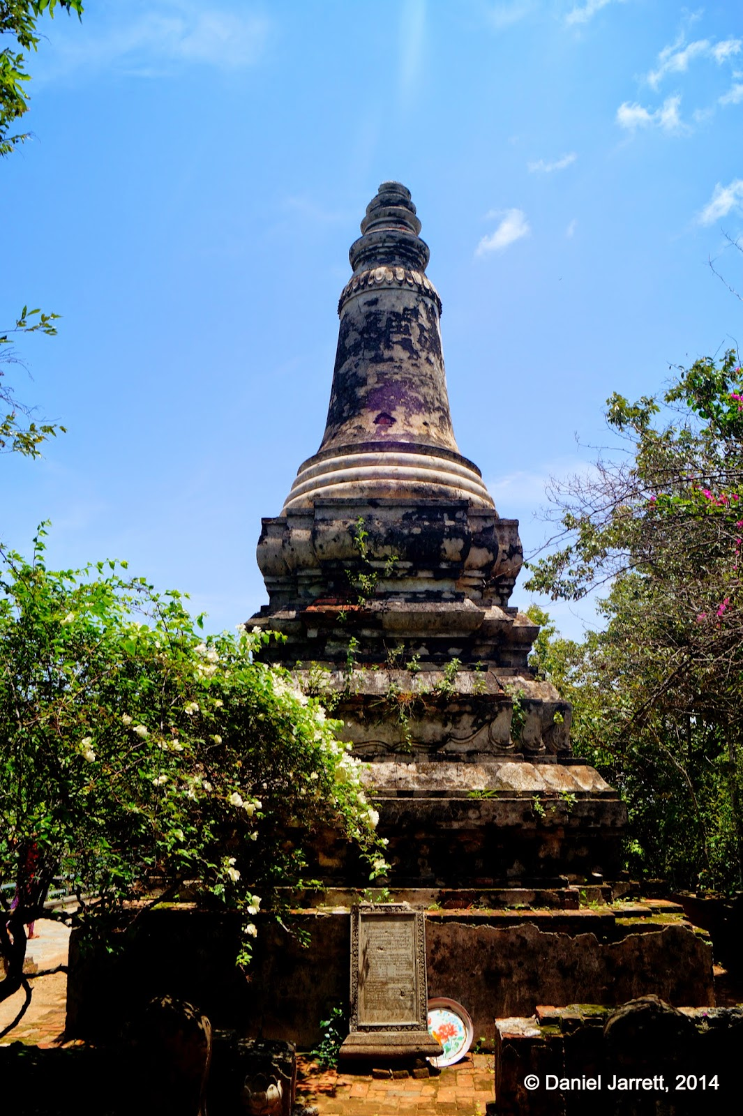 Chedi Damrei Sam Poan, Oudong, Cambodia