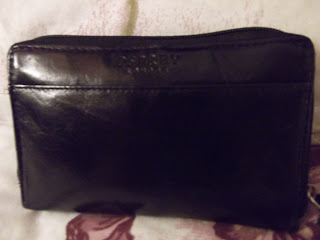 Osprey black leather purse