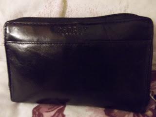 Osprey black leather purse