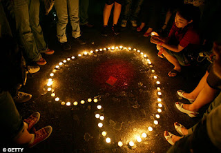 Love vs Hate, Sandy Hook, candle vigil