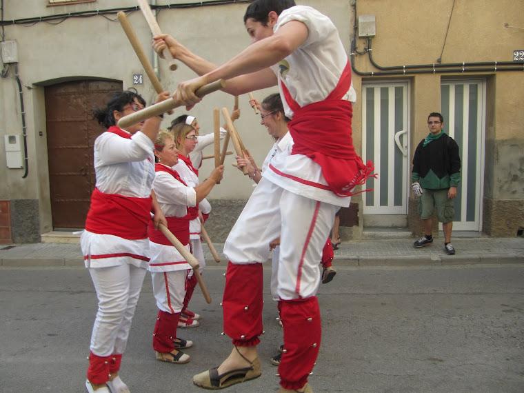 Bastoners de Malla dansant el Ball Nou