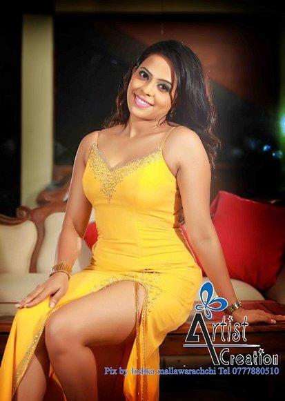 Actress Menaka Maduwanthi Sexy Wallpaers