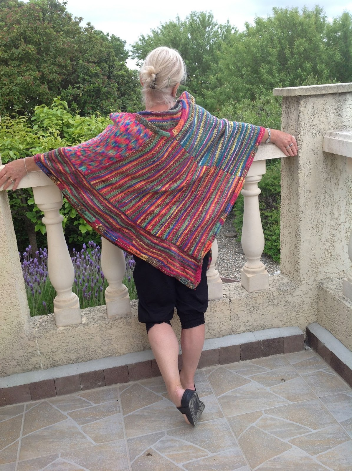 Musings of an Old Duck: How to Make a Poncho from Knitted Squares ...